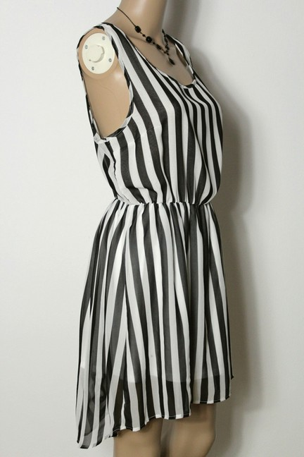 h m kleid gr 40 42 schwarz wei gestreift rmellos kurz mini chiffon kleid ebay. Black Bedroom Furniture Sets. Home Design Ideas