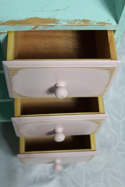 gew rzregal k chenregal mit schubladen aus holz gr n rosa. Black Bedroom Furniture Sets. Home Design Ideas