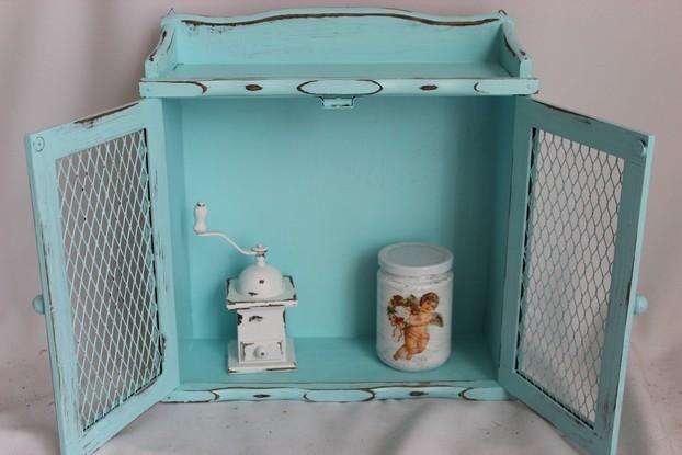 altes kleines holz schr nkchen gew rzschrank hell blau t rkis 50er jahre shabby ebay. Black Bedroom Furniture Sets. Home Design Ideas